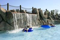 Wildwatervaren op een luchtkussen of een bootje in Resort Darien Lake.